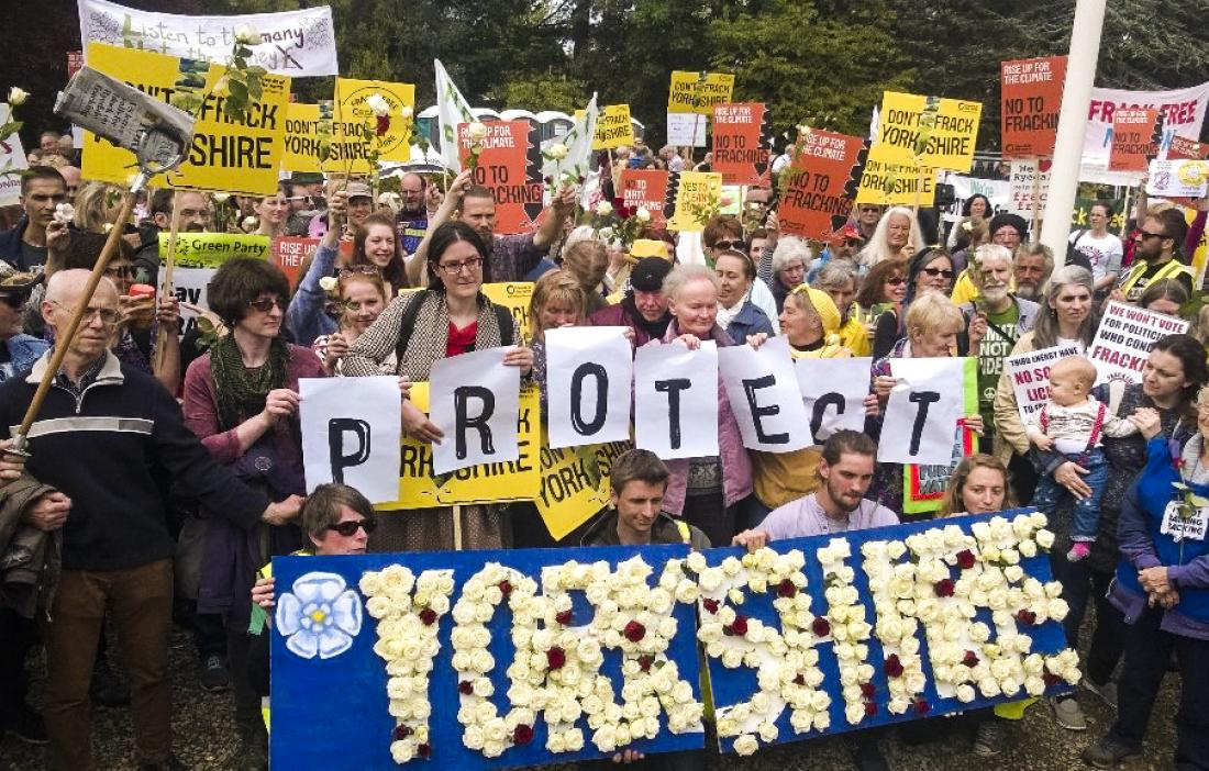 Protesters_against_fracking_yorkshire